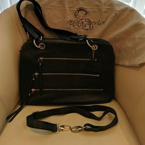 Sorial black bag with zipper pockets